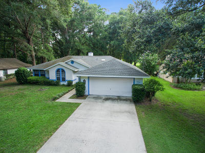 Rainbow Spgs Cc Single Family Home For Sale: 8896 SW 190th Circle