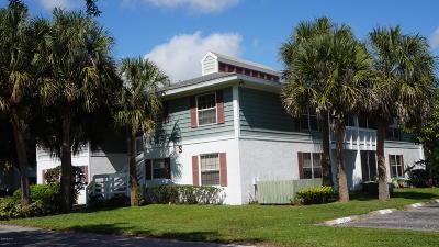 Condo/Townhouse For Sale: 8146 Fairways Cir #S201