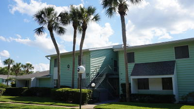 Ocala Condo/Townhouse For Sale: 525 Midway Drive #B