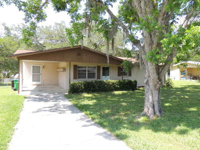 Williston Single Family Home Pending-Continue to Show: 304 NE 3 Avenue