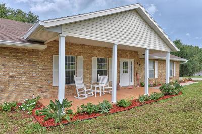 Lady Lake Single Family Home For Sale: 5232 Sheas Cove
