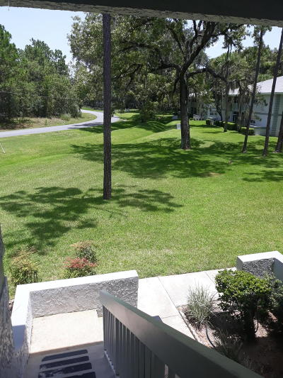 Ocala Condo/Townhouse For Sale: 572 Fairways Lane #204