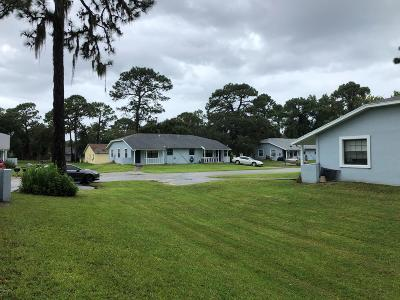 Citrus County Single Family Home For Sale: 453 N Sams Point