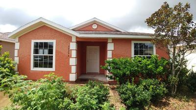Villages Of Parkwood Single Family Home For Sale: 12296 NE 48th Loop