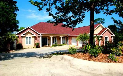 Pensacola Single Family Home For Sale: 3030 Pelican Ln