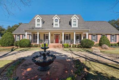 Pensacola Single Family Home For Sale: 4390 D'evereux Dr