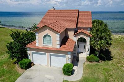 Gulf Breeze Single Family Home For Sale: 26 Baybridge Dr