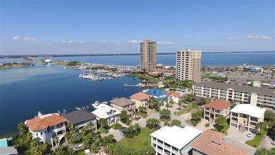 Pensacola Beach Single Family Home For Sale: 3 La Caribe Dr