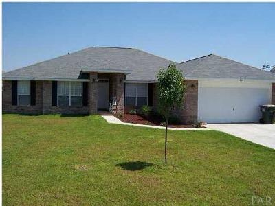 Pace Single Family Home For Sale: 4904 Spencer Oaks Blvd