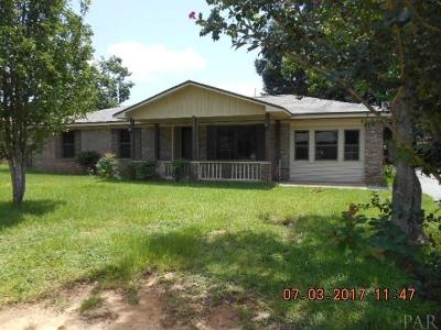 Pace Single Family Home For Sale: 4650 Pine Ln