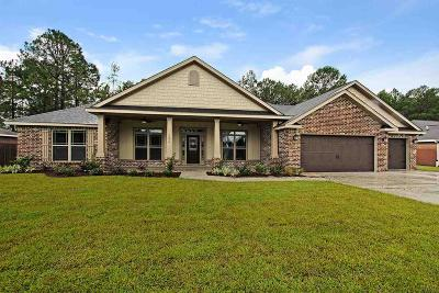 Navarre Single Family Home For Sale: 6505 East Bay Blvd