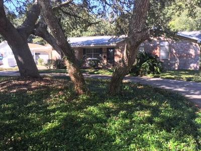 Gulf Breeze Single Family Home For Sale: 306 Fairpoint Dr