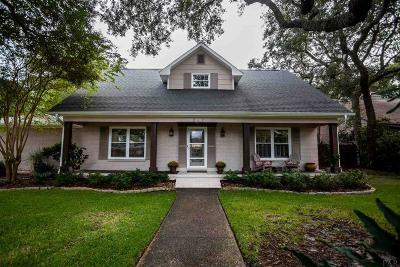 Gulf Breeze Single Family Home For Sale: 223 Pinetree Dr