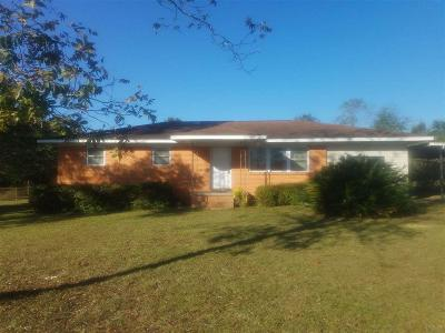 Cantonment Rental For Rent: 1761 Handy Rd