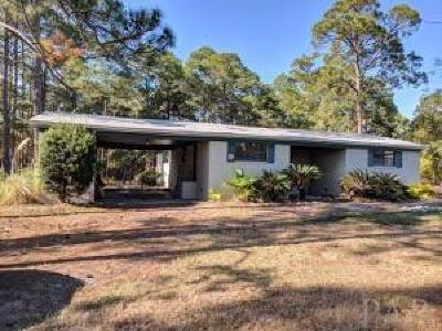 Gulf Breeze Single Family Home For Sale: 4990 Soundside Dr