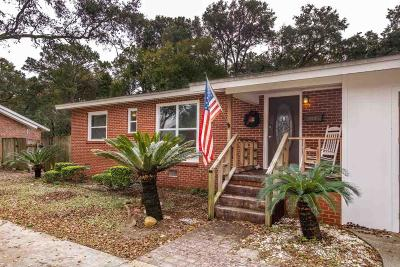 Gulf Breeze Single Family Home For Sale: 107 Gilmore Dr
