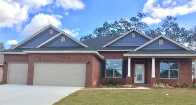 Cantonment Single Family Home For Sale: 1100 Upland Rd