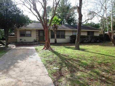 Gulf Breeze Single Family Home For Sale: 413 Surrey Dr
