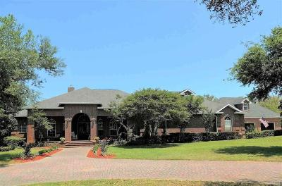 Gulf Breeze Single Family Home For Sale: 1444 West Shores Blvd