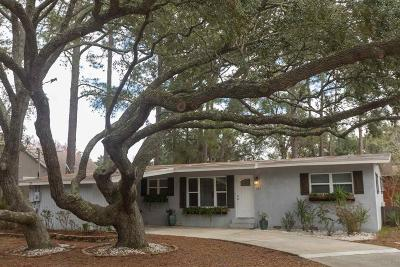 Gulf Breeze Single Family Home For Sale: 177 Camelia St