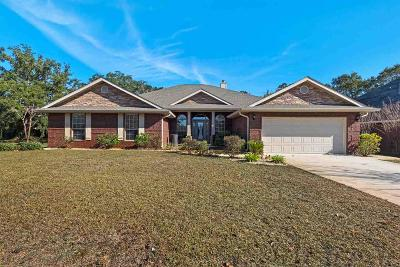 Navarre Single Family Home For Sale: 1720 Brooke Beach Dr