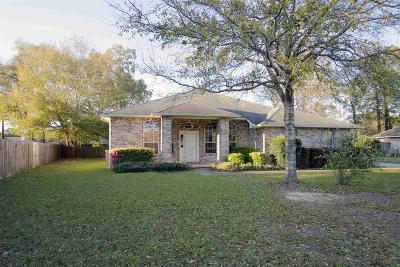 Pace Single Family Home For Sale: 4814 Broadleaf Dr