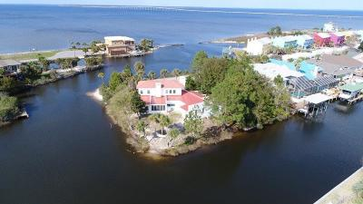 Gulf Breeze Single Family Home For Sale: 3181 Quietwater Ln