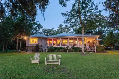 Milton Single Family Home For Sale: 7598 Old Bay Pointe Rd