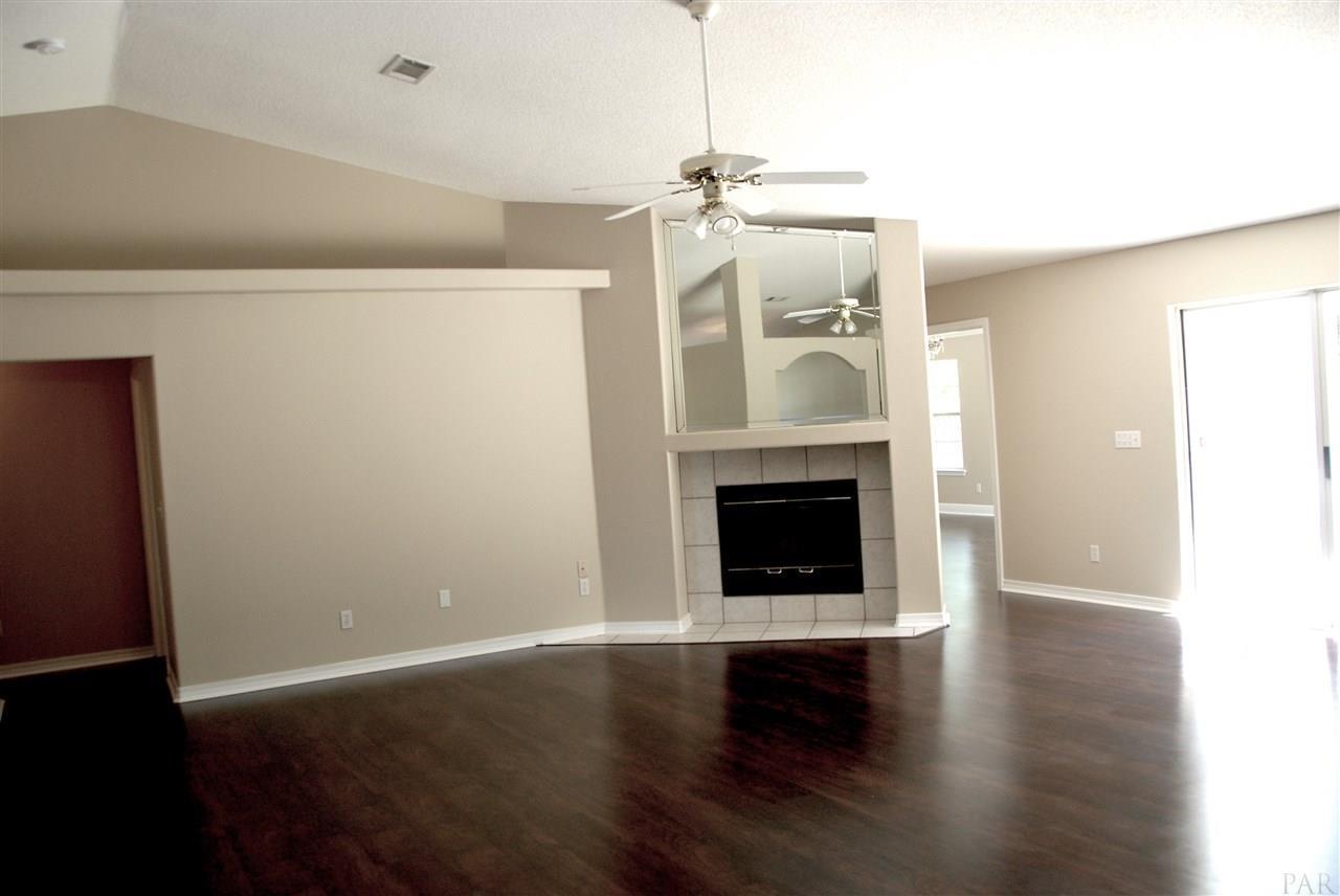 Listing: 213 Majestic Ct, Pensacola, FL.| MLS# 534404 | Deborah ...