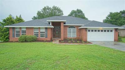 Cantonment Single Family Home For Sale: 409 Turnberry Rd