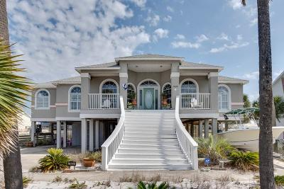 Navarre Beach Single Family Home For Sale: 7623 White Sands Blvd