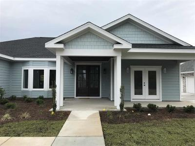 Gulf Breeze Single Family Home For Sale: 5382 Soundside Dr
