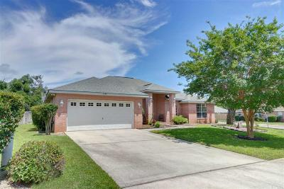 Gulf Breeze Single Family Home For Sale: 1588 Woodbluff Ct
