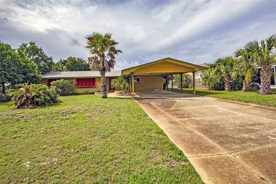Gulf Breeze Single Family Home For Sale: 3369 Laurel Dr