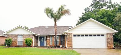 Gulf Breeze Single Family Home For Sale: 1621 Llani Ln