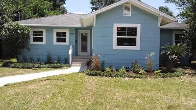 Single Family Home For Sale: E 907 Scott St