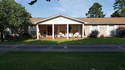 Pace Single Family Home For Sale: 3501 Oak Tree Ln