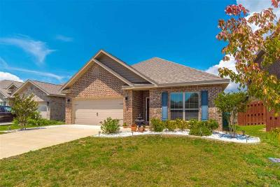 Gulf Breeze Single Family Home For Sale: 1727 Brantley Dr