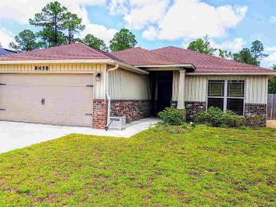 Navarre Single Family Home For Sale: 8458 Island Dr