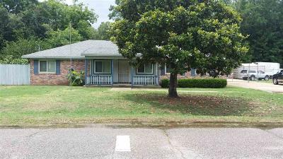 Pensacola FL Single Family Home For Sale: $175,000