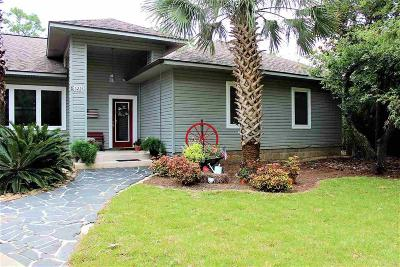 Gulf Breeze Single Family Home For Sale: 3221 Laurel Dr
