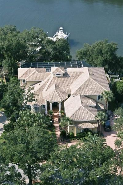 Gulf Breeze Single Family Home For Sale: 97 Chanteclaire Cir