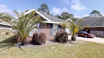 Gulf Breeze Single Family Home For Sale: 6416 Old Harbor Ct
