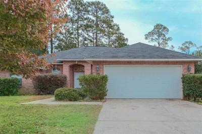 Gulf Breeze Single Family Home For Sale: 1596 Champagne Ave