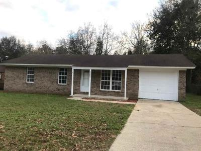 Cantonment Single Family Home For Sale: 1585 Cottage Park Rd