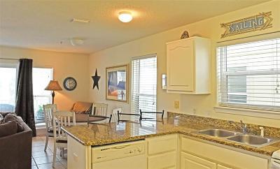 Navarre Beach Condo/Townhouse For Sale: 8436 Gulf Blvd #621