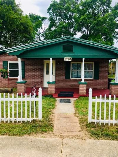 Milton Single Family Home For Sale: 6767 Margaret St