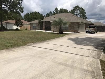 Navarre Single Family Home For Sale: 7442 Woodmont St