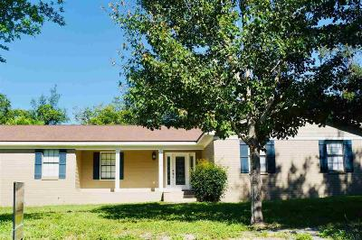 Gulf Breeze Single Family Home For Sale: 1118 Tall Pine Trl
