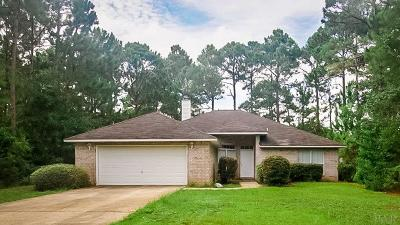 Navarre Single Family Home For Sale: 7530 Pepperwood St